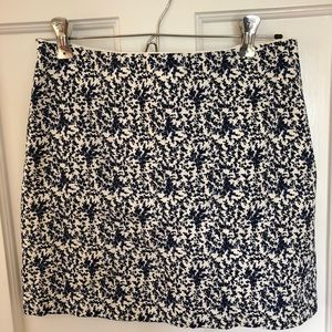Madewell embroidered skirt. Size 2